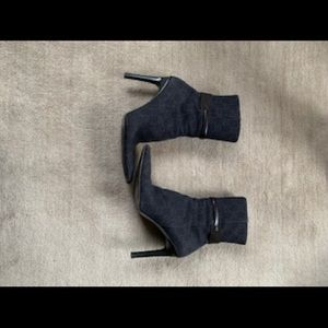 Gucci Original Logo High Ankle Boots